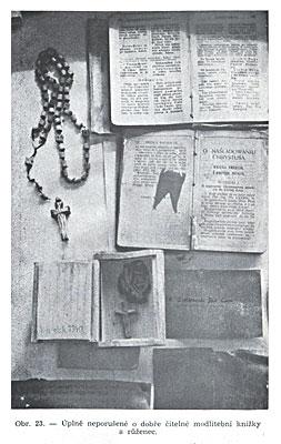 Совершенно не поврежденние и хорошо читаемые молитвенники